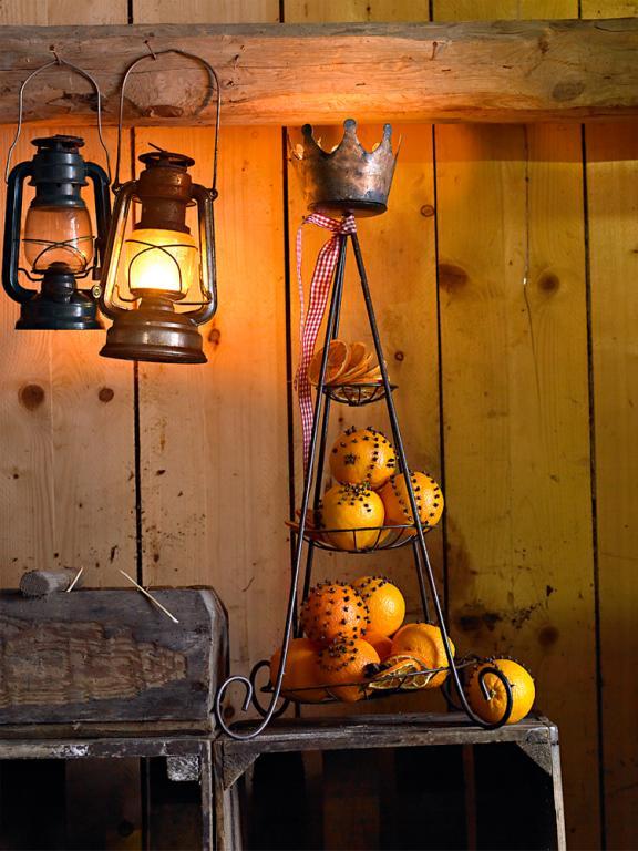 etagere-gespickte-orangen